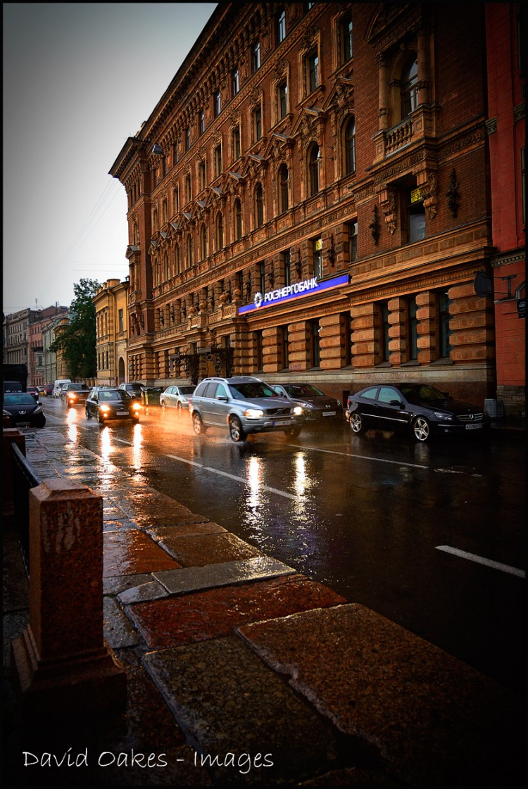 Night-starts-to-fall-on-St.-Petersburg
