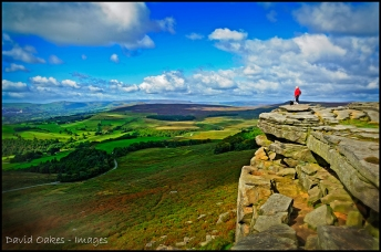 Stanage-and-the-view-over-the-Hope-Valley