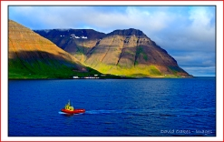 Pilot-Boat-on-Arrival-at-ISAFJORDUR