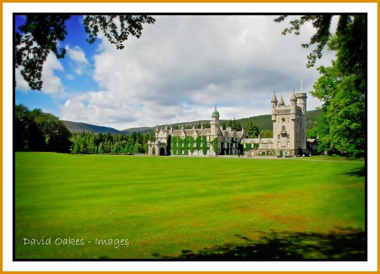 Balmoral-Castle,-Scotland-t
