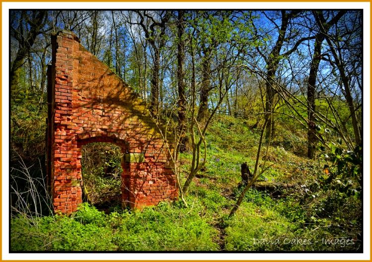 Crumbling-Pump-house
