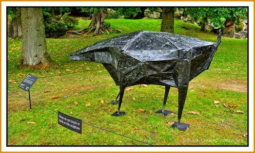 lynn-chadwick-black-beast