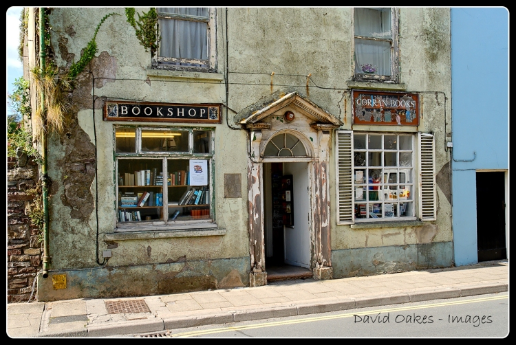 laugharne-the-antiquarian-bookshop