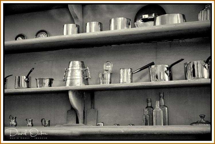 Empty-Pots BW