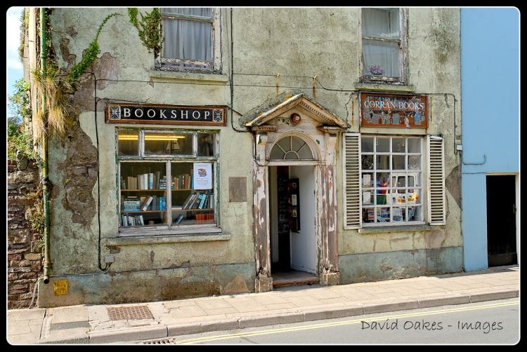 Laugharne-The-Antiquarian-Bookshop