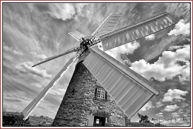 Heage-Windmill bw
