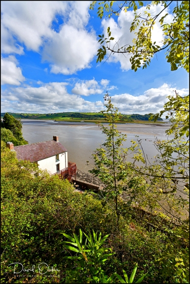 Laugharne,-Dylan-Thomas's-Boat-House-and-River-Taf-021-(2)