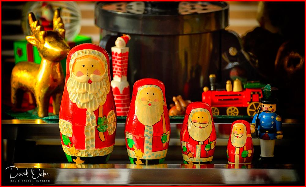 4-Santas